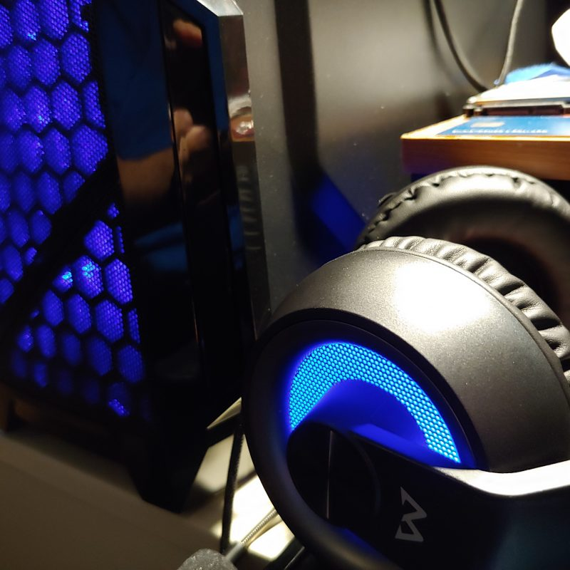 MPOW EG3 blue LEDs look great next to my blue LED case fans